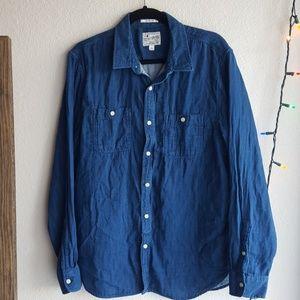 Soft Lucky Brand Blue Button Up w/ Subtle Design